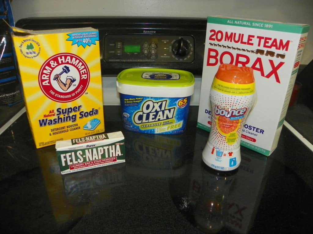 Make your own laundry detergent for 8 cents a load! www.nogettingoffthistrain.com
