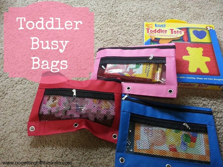 Getting ready to travel with a toddler? Keep them entertained with these ideas for busy bags! www.nogettingoffthistrain.com