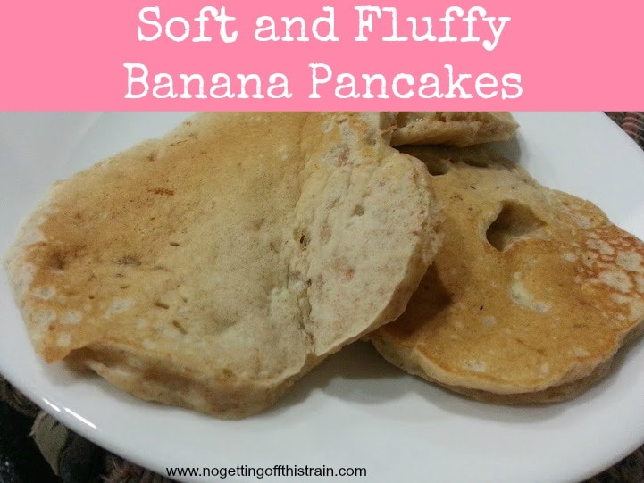 How should you use up leftover bananas? Make banana pancakes, of course! They're freezer friendly, too! www.nogettingoffthistrain.com