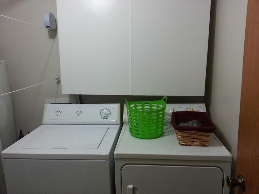 The new year is a great time to organize your home! De-clutter and relax knowing that your home is more in order! Week 1: Bathroom and laundry room. www.nogettingoffthistrain.com