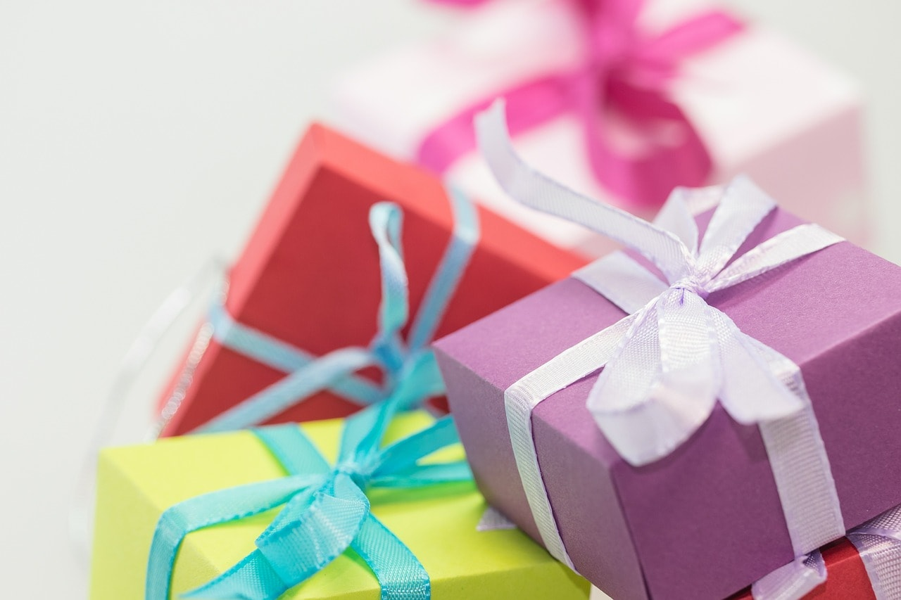 Saving Money on Kids' Birthday Gifts