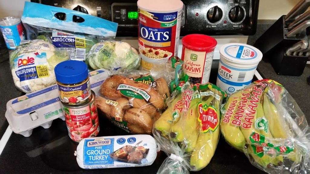 Want to see what a family of 3 eats for $75 a week? Check back every Monday for a full grocery list and menu! Week of: 10-24-16. www.nogettingoffthistrain.com