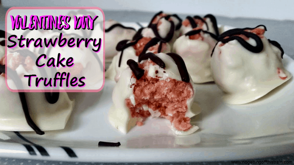 What a cute Valentines Day treat! These strawberry cake truffles are great for a Valentines party.