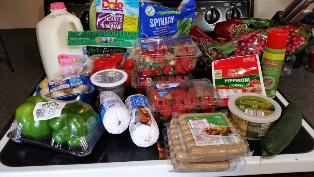 Want to know what a family of 3 eats for $75 a week? Check back every Monday for a grocery list and menu! Week of: 2-13-17.
