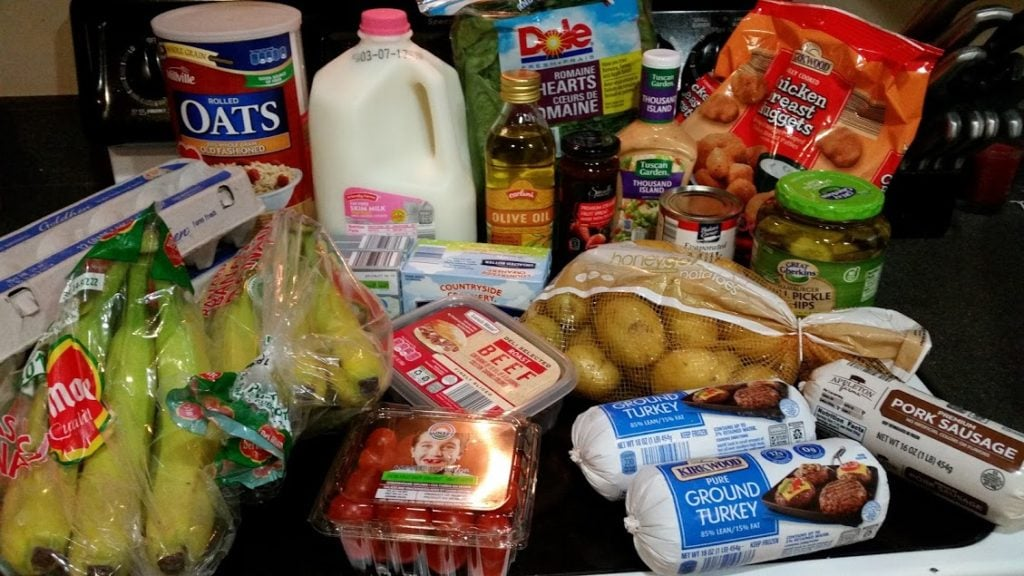 Want to know what a family of 3 eats for $75 a week? Check back every Monday for a grocery list and menu! Week of: 2-27-17.