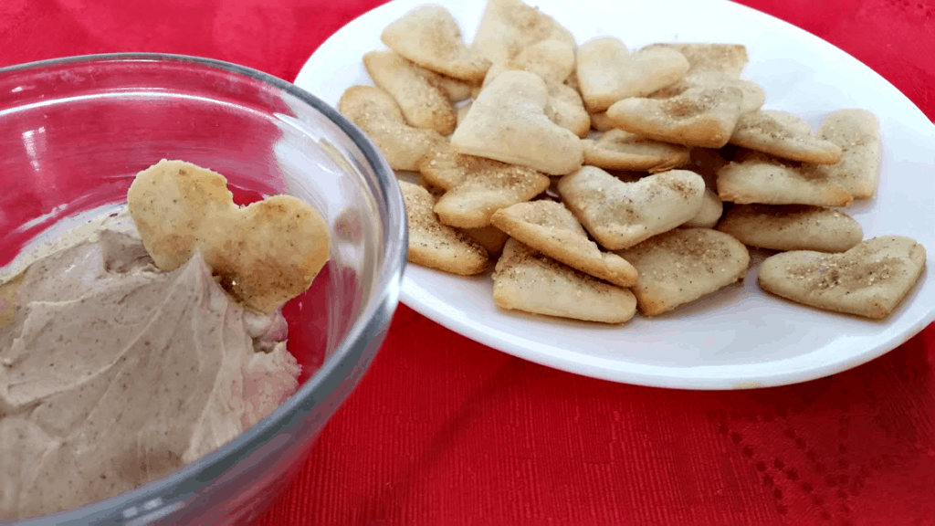 Looking for a cute Valentines Day treat? Make these cinnamon sugar pie chips, made easier with a pre-made pie crust! A great dessert for the kids!