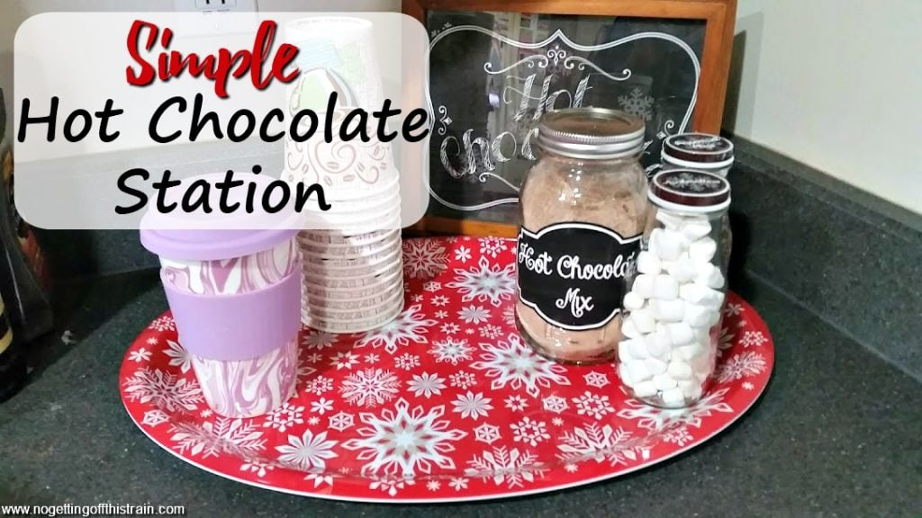 What a great idea for a hot chocolate station! Homemade hot chocolate mix, marshmallows, and FREE sign and label downloads! Perfect for a cold winter!