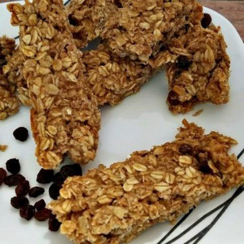 Healthier Homemade Oatmeal Raisin Granola Bars