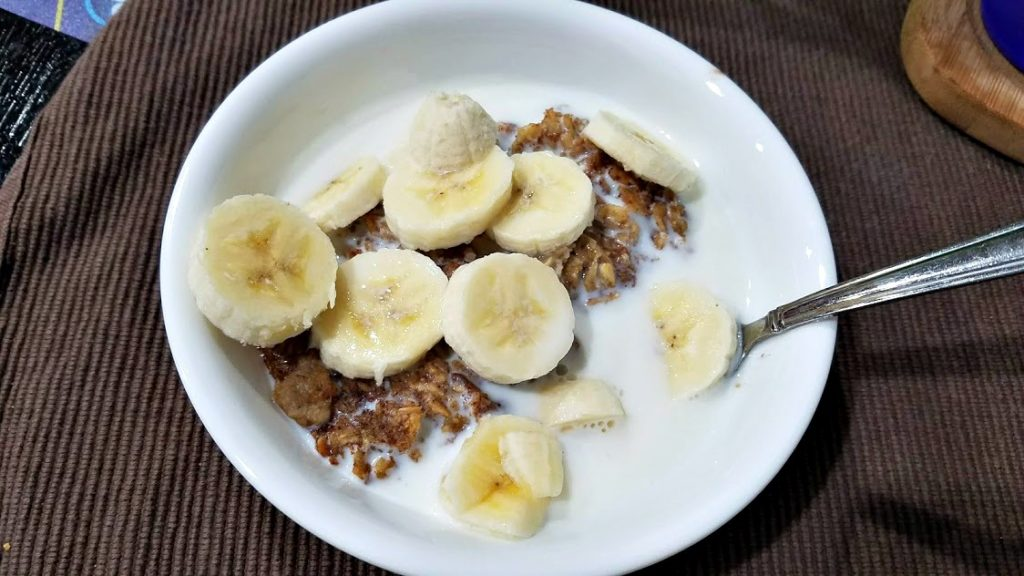 Need a filling, freezer-friendly breakfast? This Banana Bread Baked Oatmeal is healthy and is easily doubled to put in your freezer!